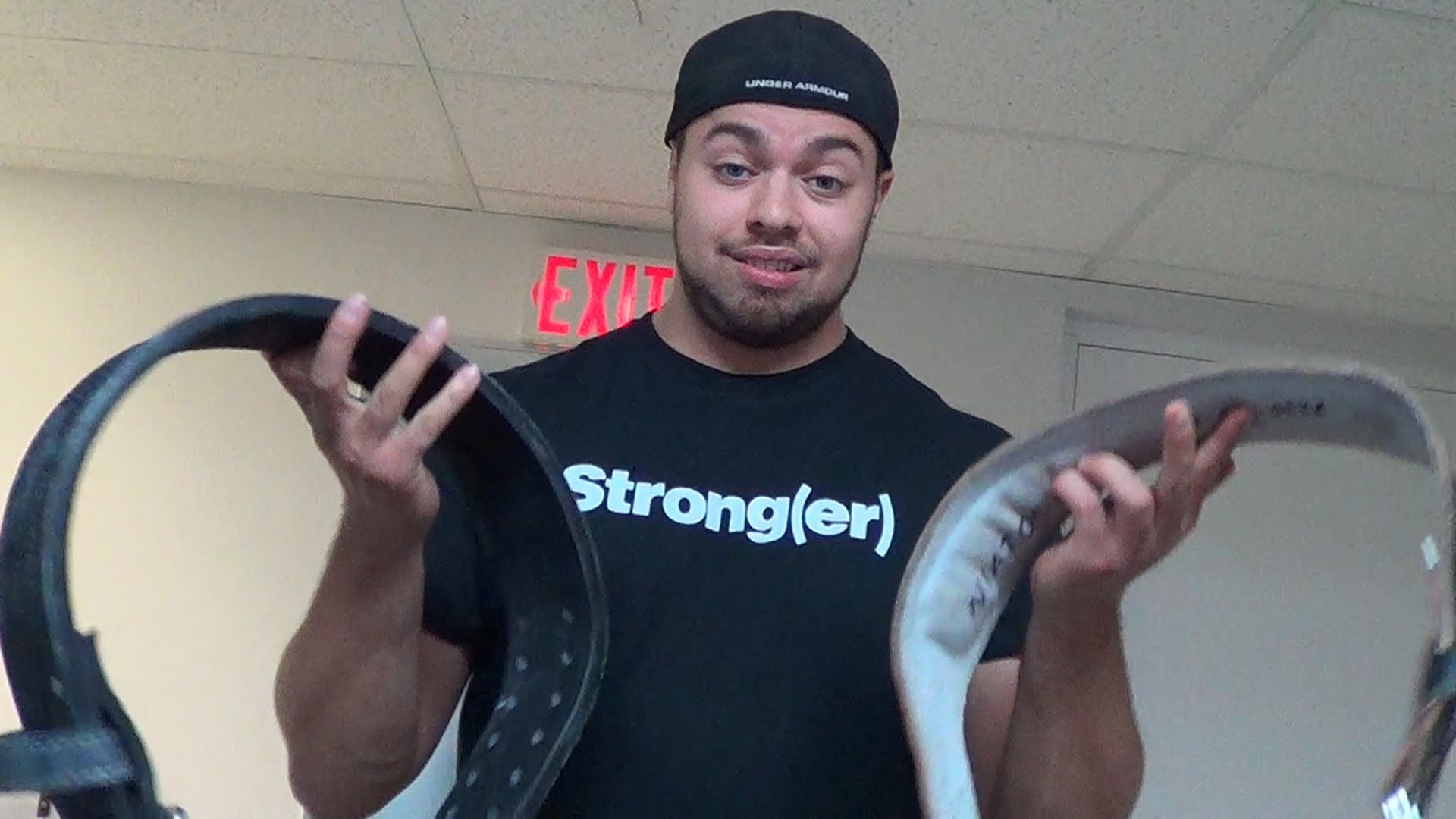 How to weightlifting a wear belt properly